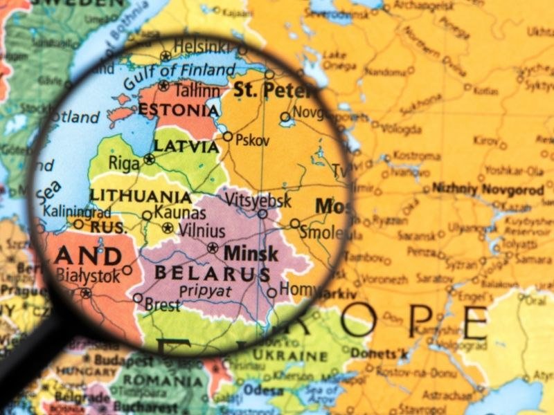 Estonia Map. Map Of The Baltic States Showing Where Estonia Is. Borders With Russia, Latvia and A Coastline Along The Baltic Sea.